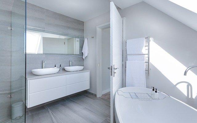 Wanna albo prysznic – ważny wybór przed remontem łazienki