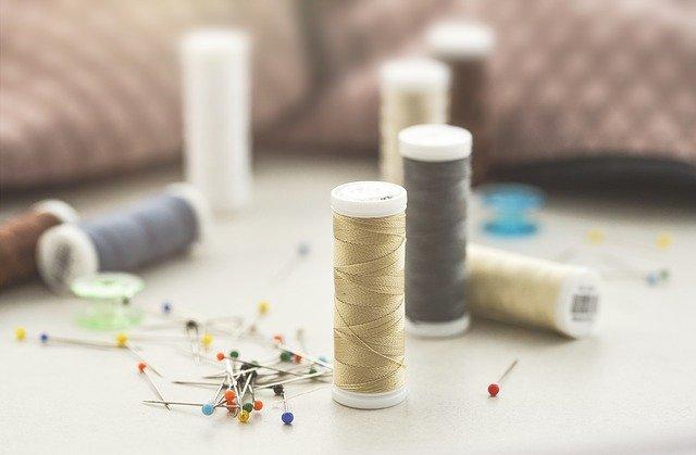 Na czym polega różnica między tkaniną a dzianiną?